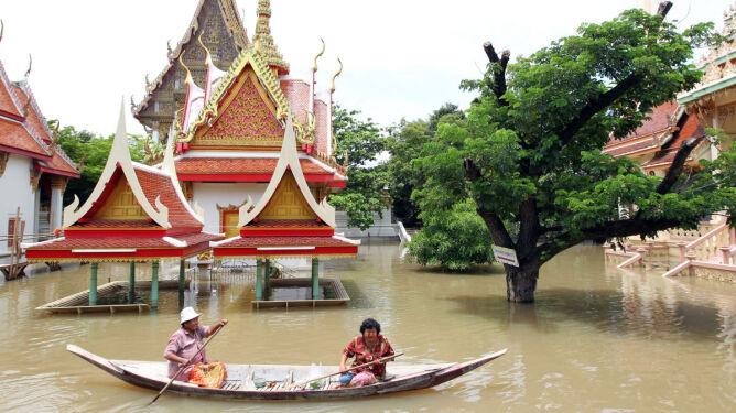 Woda zniszczyła 635 szkół