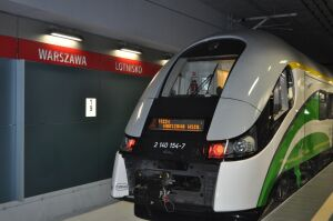 Alarm pożarowy w tunelu wstrzymał pociągi na lotnisko