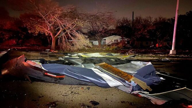 Przez Teksas przeszły silne burze. Wydano ostrzeżenia przed tornadem