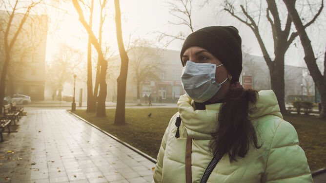 """""""Smog zabija"""". Lekarz o związku między zanieczyszczeniami a nagłą śmiercią"""